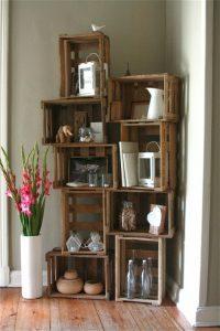 Арт секция от дървени щайги