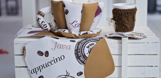 За кафенцето с любов и текстилна декорация в тон